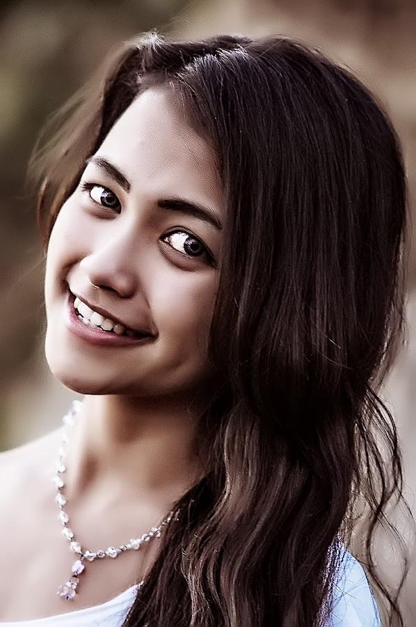 sandra smile..... by Kawan Santoso - People Portraits of Women (  )