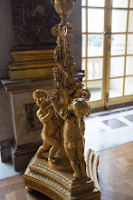 Photo: Cherubs do the heavy lifting