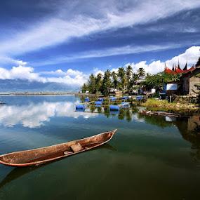 Biduak tirih nan ka karam by Gery Arsuma - Landscapes Waterscapes ( danau maninjau )