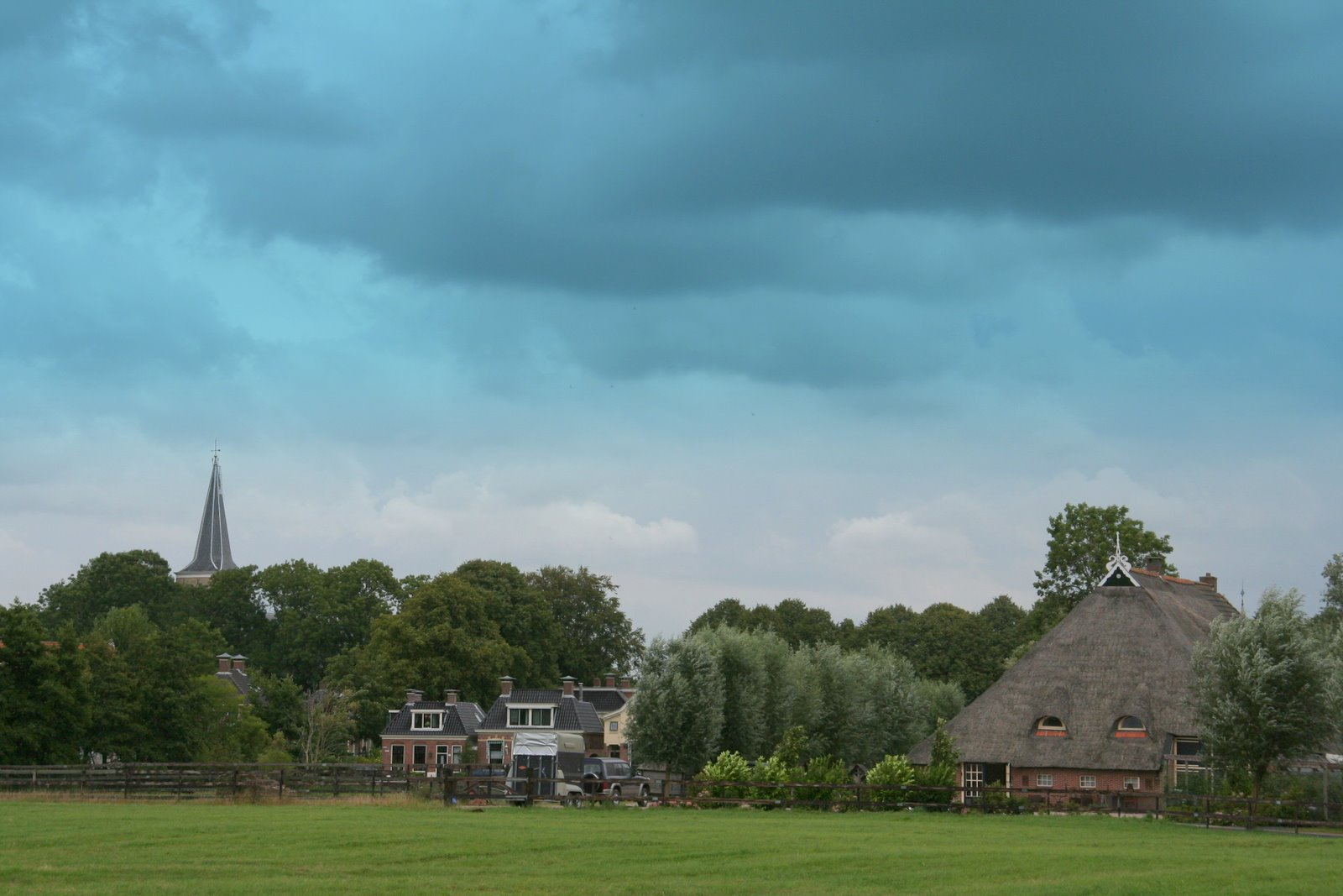 Photo: Marssum. Het mooiste dorp van Friesland zeggen ze zelf. Marssum heeft een beschemd dorpsgezicht.