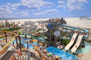 Leisure and amusement park - Morey's Piers & Beachfront Water Parks