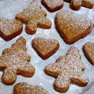 Soft Christmas Gingerbread Cookies.