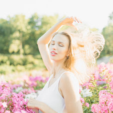 Wedding photographer Katerina Zhukova (KaterinaZhukova). Photo of 10.08.2016