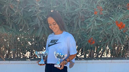 Marta Andújar se luce en el Tenis Playa
