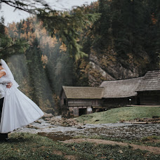 Wedding photographer Ľuboš Krahulec (luboskrahulec). Photo of 26.10.2016