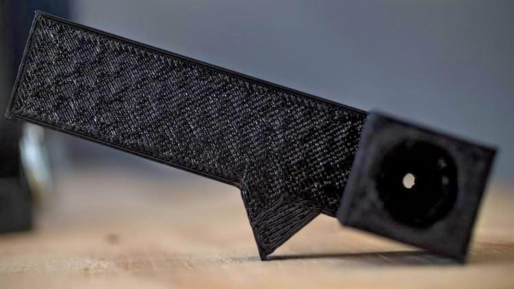 Инженеры MWSS-372 уже продемонстрировали эффективность 3D-печати, напечатав новую ручку двери для армейского внедорожника.