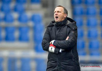 """John van den Brom wil niets horen van titel: """"We zijn niet eens halfweg, voetbal is een momentopname"""""""