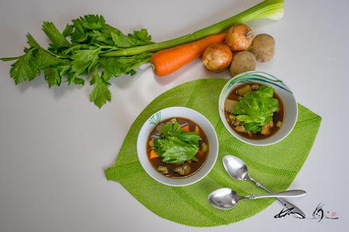 セロリ味噌スープ
