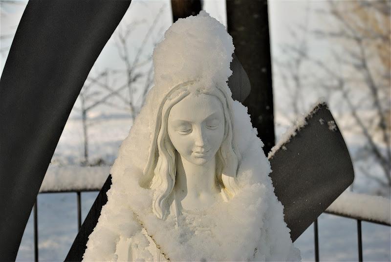 madonnina con turbante di neve. di Inazur