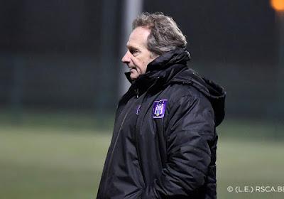 """Coach Wachel blijft nuchter na nieuwe titel Anderlecht: """"Geen alcohol, wel champagnevoetbal"""""""