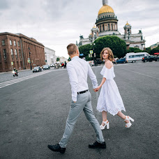 Wedding photographer Nika Kasharnova (nikapic94). Photo of 12.08.2017