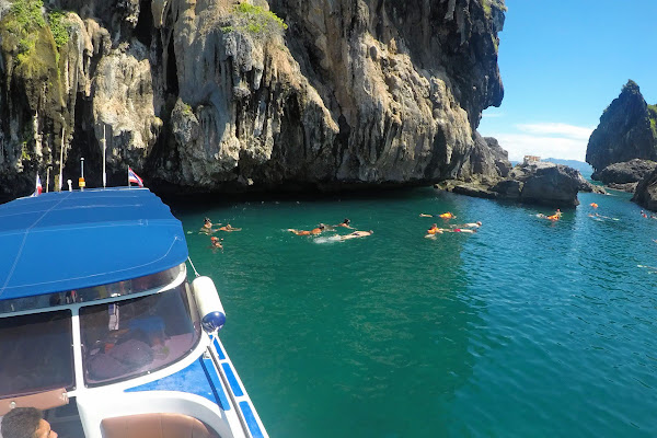 Snorkel stop at Koh Chuak