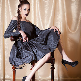 Honey by Marie-Jose Hains - People Fashion ( fashion, chic, woman, dress, gold, black dress, honey )