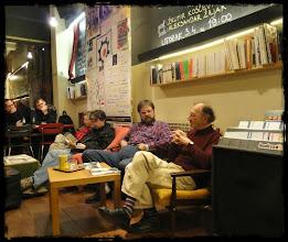 Photo: Na SF tribini u Booksi (tema: Sajmovi naučne fantastike), dana 03. 04. 2012. gost je bio poznati povjesničar umjetnosti Želimir Koščević, jedan je od utemeljitelja zagrebačkog društva za znanstvenu fantastiku SFera te jedan od organizatora SF sajmova sedamdesetih godina prošlog stoljeća.