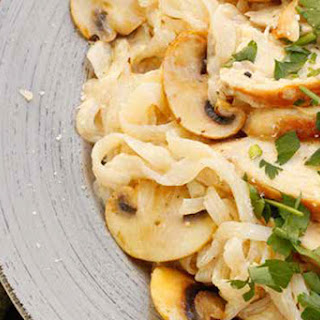 Chicken Alfredo with Mushrooms