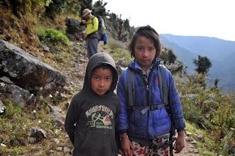 Photo: 子供は写真を撮られたがる。撮られたいだけの子もいれば、スイーツとペンを求める子もいる。