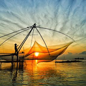 Catch the Sun by Huynh Phuc Hau - Landscapes Sunsets & Sunrises