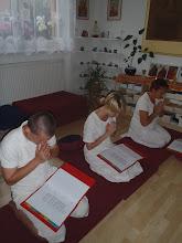 Photo: večerní recitace - evening chanting
