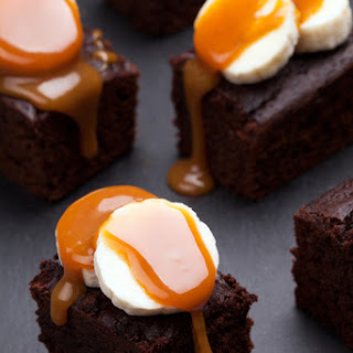 Airfryer Soft Chocolate Brownies With Homemade Caramel Sauce