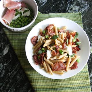 Crispy Prosciutto, Fresh Pea, and Mozzarella Pasta