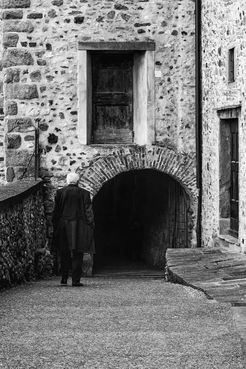 L'umiltà e la porta del paradiso come l oscurità di christiandeledda