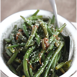 Sauteed Green Beans with Ginger and Caramelized Onions