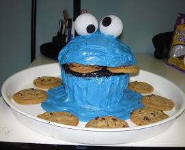 Photo: Will's Birthday Cookie Monster cake July 2010 Blog Post: http://createsharerepeat.blogspot.com/2010/09/no-excuses.html
