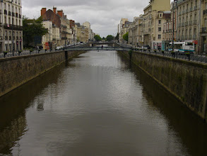 Photo: Cities such as Rennes were founded based on water transportation - here, the Vilaine river running through the center of town.