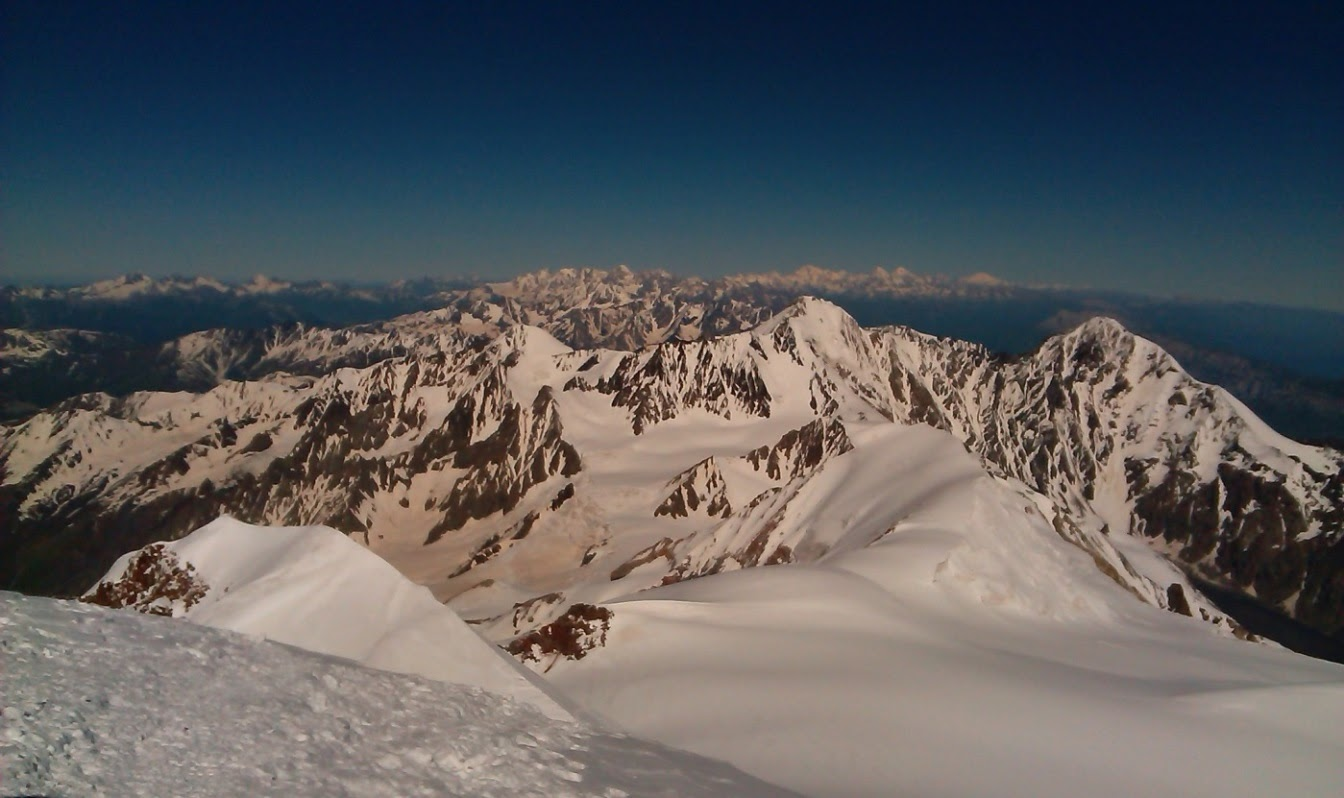Вид на ГКХ до Эльбруса