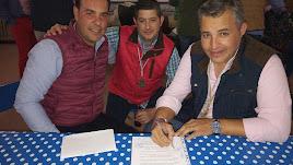 Carlos Salvador Hidalgo (derecha) en una imagen del Facebook de la Hermandad del Rocío de Almería.