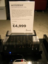 Photo: old technology <> cheaper ;-). Here, an amplifier with valves in Harrods store: 4.999 pounds/5,622.79€...Listen the paradise