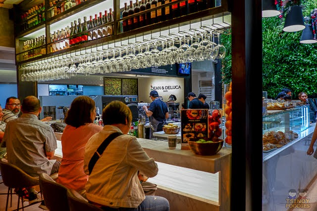 dean and deluca bar