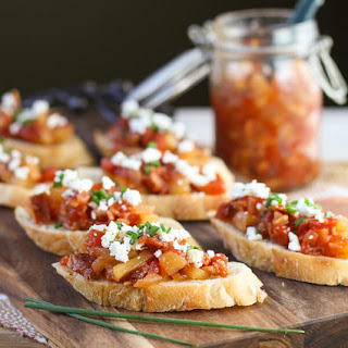 Crostini with Savory Tomato, Bacon & Apple Jam