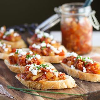 Crostini with Savory Tomato, Bacon & Apple Jam.