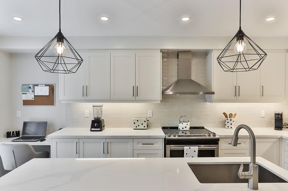 Custom home design idea for kitchen