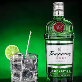by Ed Mullins - Food & Drink Alcohol & Drinks ( gin and tonic, gin, tanqueray )