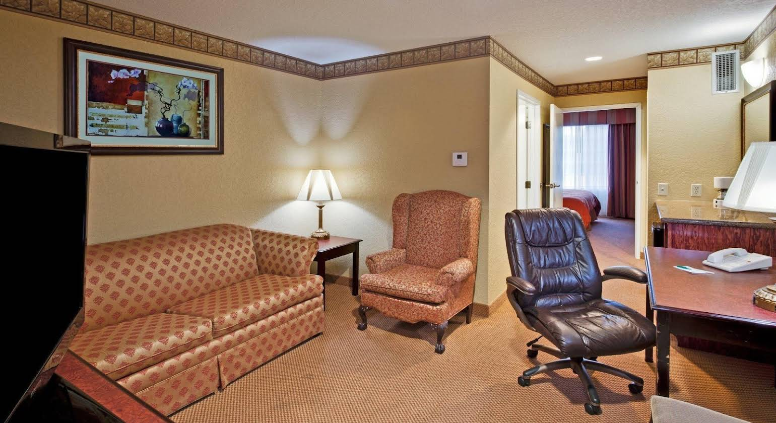Country Inn and Suites By Carlson Hot Springs