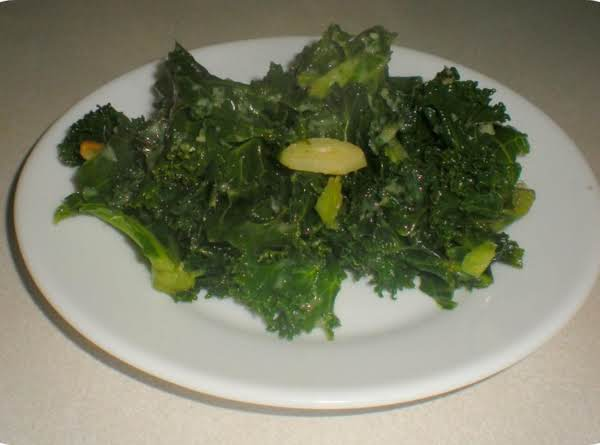 Fresh Kale And Garlic (vegetarian) Recipe