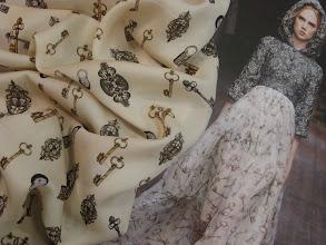 Photo: Ткань:Шармюз стрейч натуральный шелк ш.140см.цена 4000 руб.