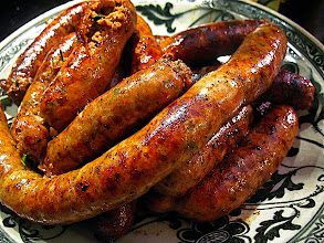 Photo: charcoal-grilled sai oa sausages