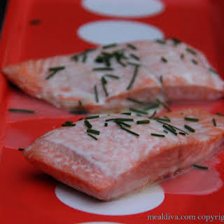Easy Salmon in White Wine Sauce.