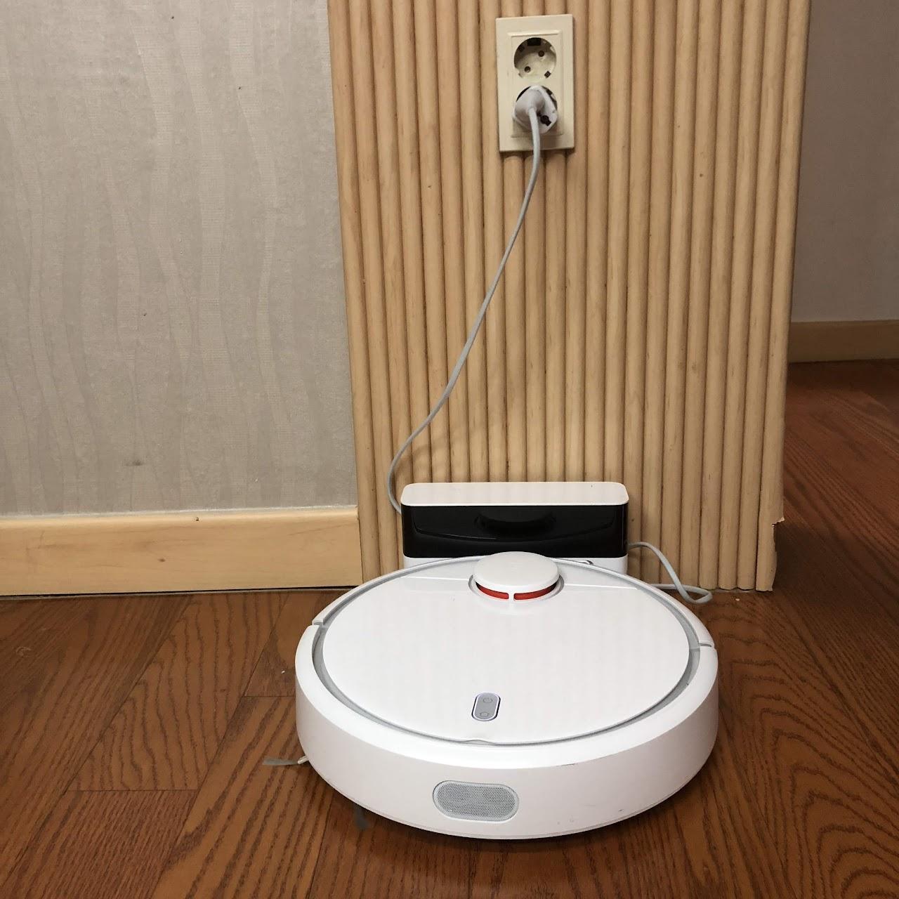 스마트폰과 연동되는 장난감 로봇, 샤오미 로봇청소기