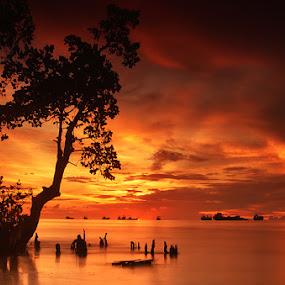 silent seas by Rio Dejenairo - Landscapes Waterscapes