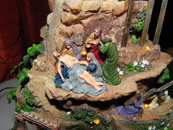 Story Of Christ Sculpture