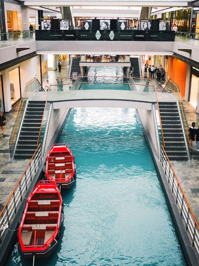 Shopping con barchette, SINGAPORE di Essential