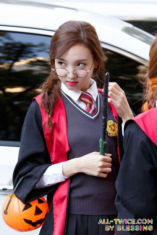 nayeon uniform 37
