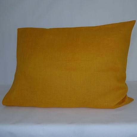 Orange örngott i linne