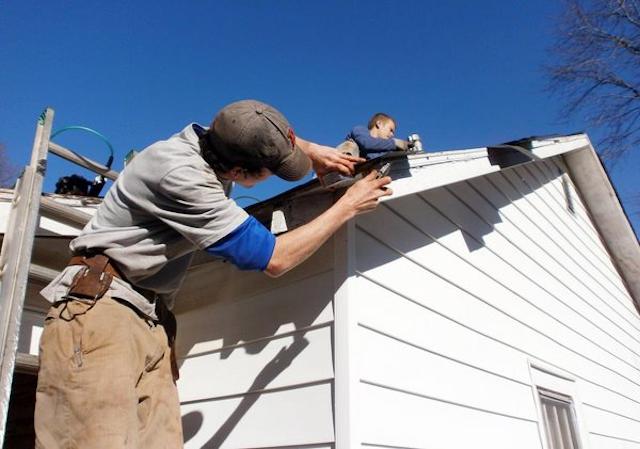 Nên tự sửa nhà hay đặt dịch vụ sửa nhà sẽ tốt hơn?