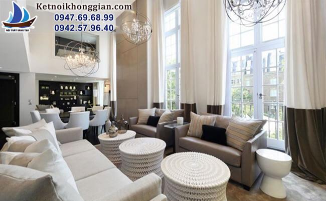 thiết kế phòng khách với rèm cửa tông màu khối