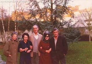 Photo: Витя Эссель, соседка, Стефан Эссель, Галина и Виктор Некрасовы, Марлотт, январь 1975